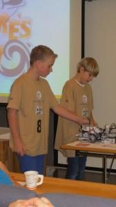 Axel og Callum i teknisk presentasjon