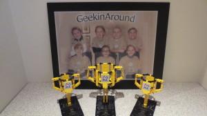 Våre tre pokaler fra 2013. Fra venstre: Teknologiprisen, FIRST Champion og Robotkonkurransens 1. pris
